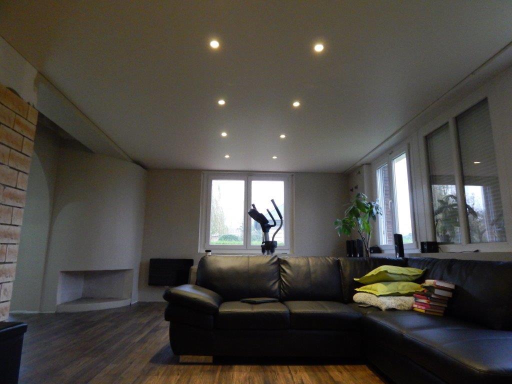 spots led. Black Bedroom Furniture Sets. Home Design Ideas